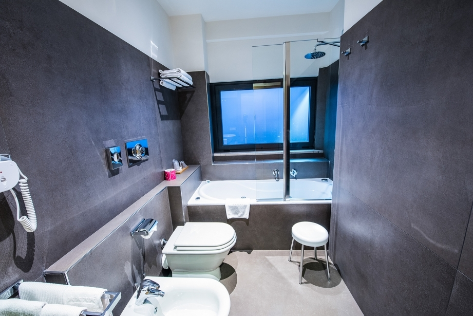 Suite con vasca idromassaggio all'Hotel Touring a Carpi