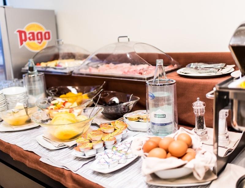 Colazione a buffet all'Hotel Touring di Carpi