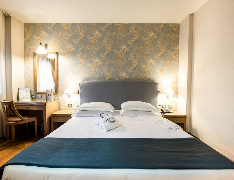 Big and comfortable double rooms in hotel in Carpi