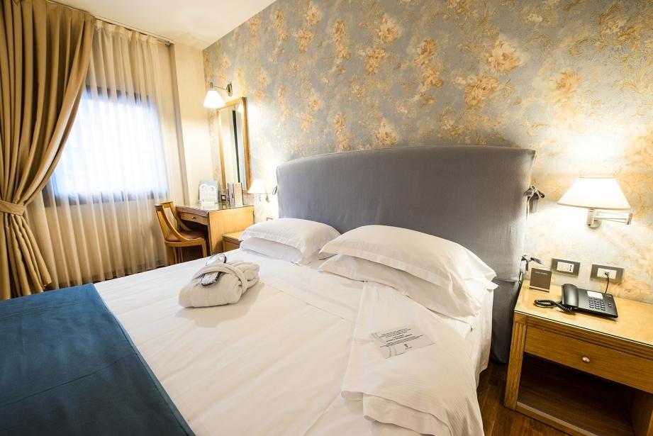 Comoda camera matrimoniale a Carpi - Hotel Touring