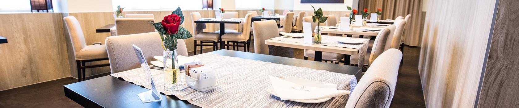 Luminosa sala colazione all'Hotel Touring, 4 stelle a Carpi