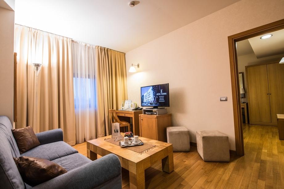 Hotel Touring 4 stelle: suite con salottino a Carpi